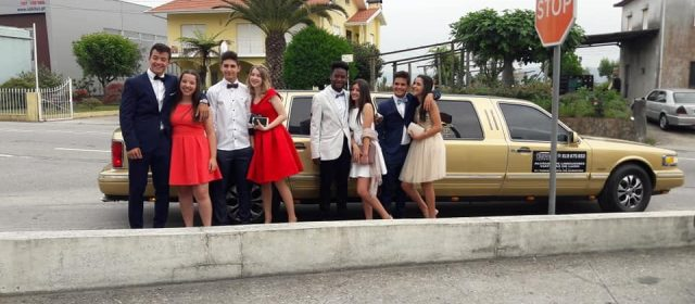 Ford Linconl Clássica Dourada