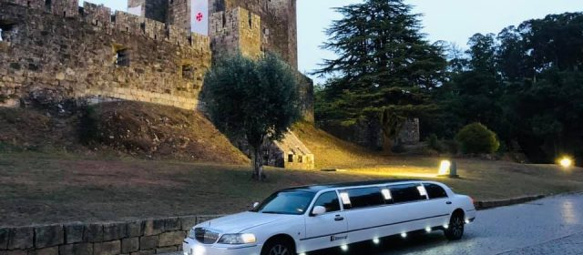 Limousine Ford Linconl Towcar III